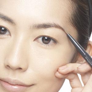 ナチュラル系女子のための眉毛の形と眉尻の整え方