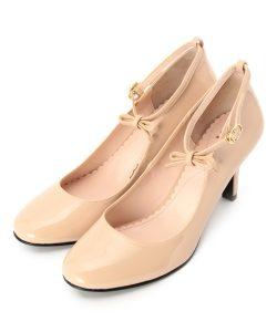 女性向け婚活パーティー服装の画像の靴